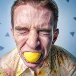 4 Spôsoby Ako Sa Správať k Sebeckým a Toxickým Ľuďom