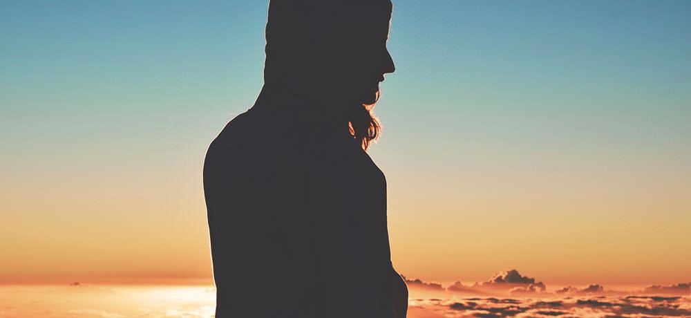 10 Silných A Inšpiratívnych Výrokov, Ktoré Ti Pomôžu Kráčať Ďalej V Ťažkých Časoch